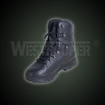 TYPE 2005 BW MOUNTAIN BOOTS