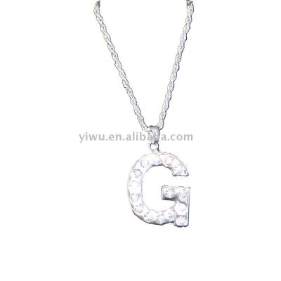 G letter type necklace