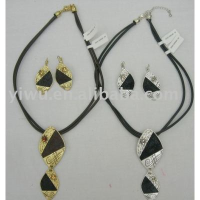 leather gold jewelry set