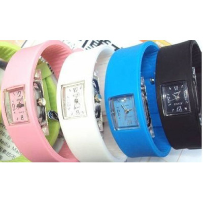 Attractive Waterproof Chewing Gum Silicone Watch