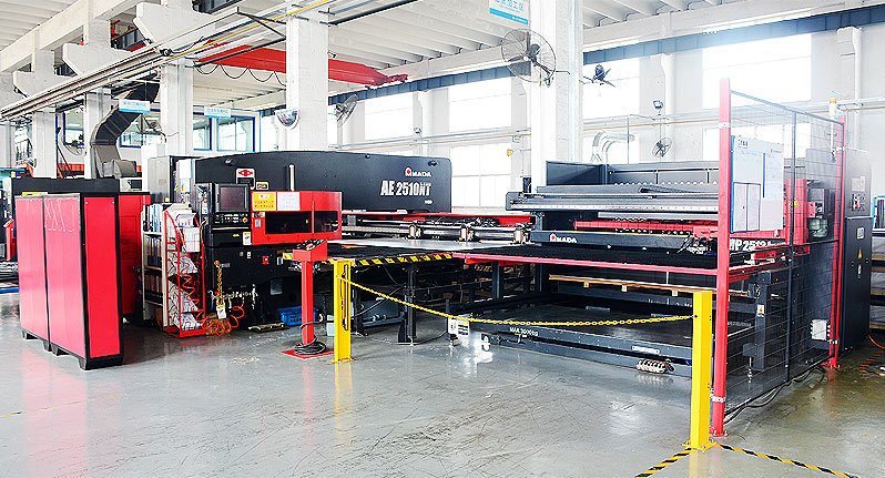 Japan AMADA AE2510NT CNC punch for automatic feeding and blanking