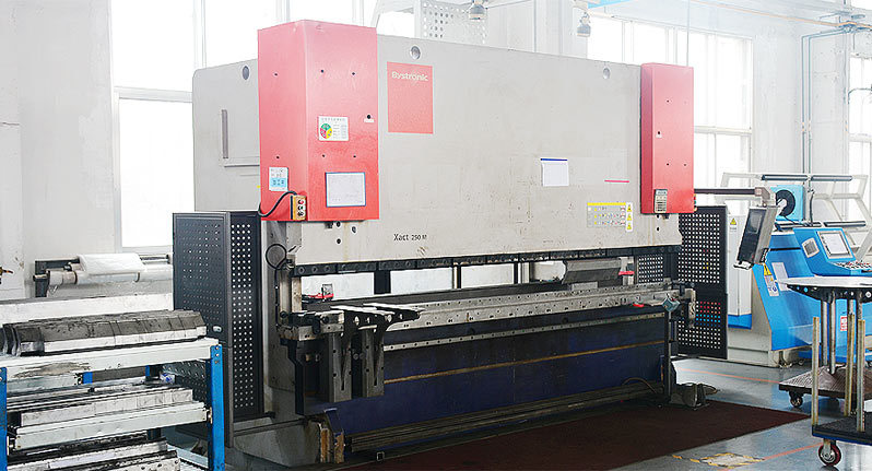 Swiss Bystronic XACT250M High speed and high precision bending machine