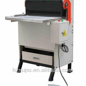 Heavy duty paper hole punching machine