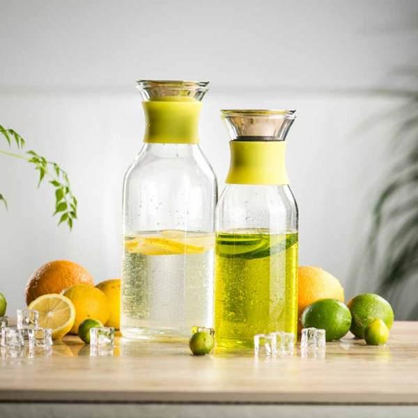 Pichet à eau en verre décoratif domestique