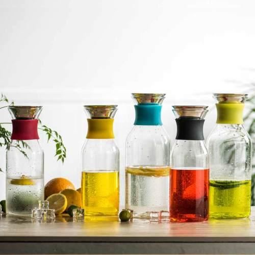Inländischer dekorativer Glaswasserkrug