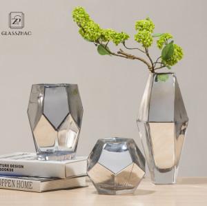 Wholesaler of Handmade Mouthblown Borosilicate Glass Vase