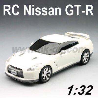 Voiture de rc, nissan gt-r 1:32 Échelle licence rc voiture de jouet