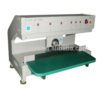 Circular blade moving pcb separator