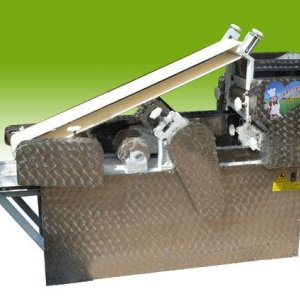 Automatic Dumpling skin making machine    008613783454315
