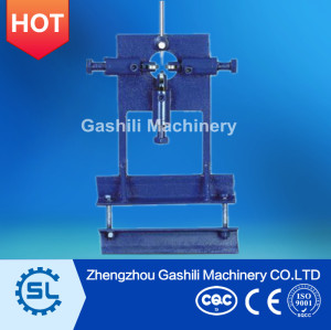 Manual cable stripping tool