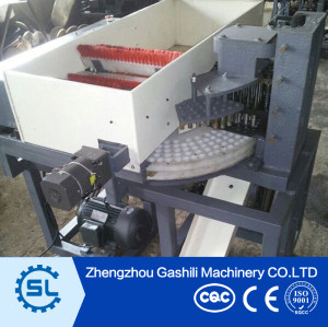 Date pitting machine date palm seeds removing machine