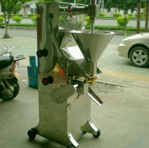 spoon type meatball forming machine