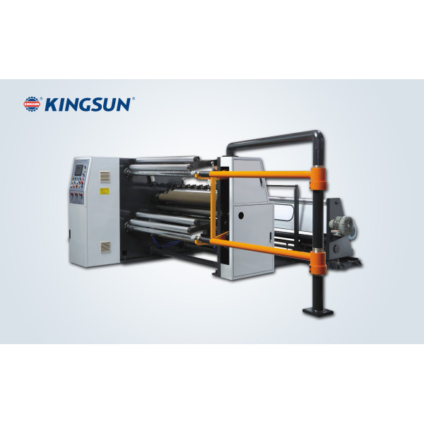 Machine de rebobinage et découpage à haute vitesse