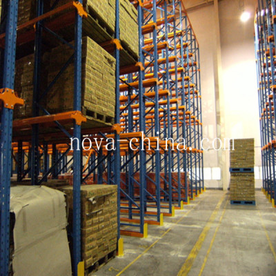 Steel drive-in pallet racking systems