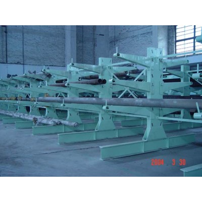 Cantilever pipe racking