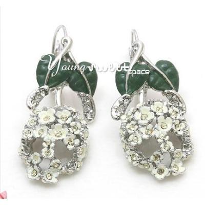 vivienne earring 132