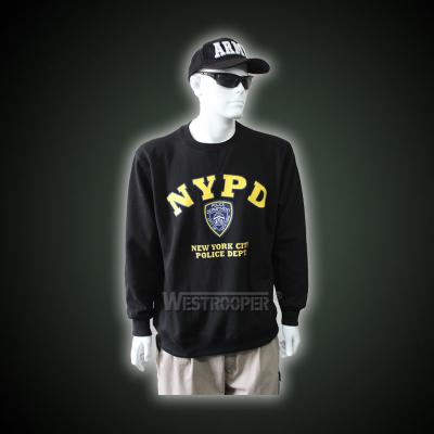 Black pullover sweatershirt