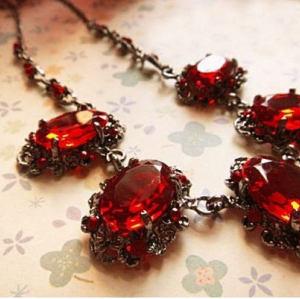 Vintage Style Big Gemstone Necklace Best Gift