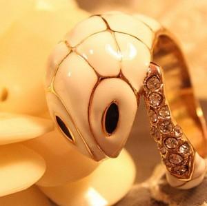 Gold Tone Rhinestone Glazed White Cute Snake Ring R-0074
