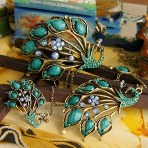 Vintage Style Bronze green rhinestone Resin Peacock Necklace Bracelet SET  S-0029