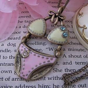 Vintage Style Bronze Chain Glazed Bra Briefs Underwear Necklace Pendant N-0053
