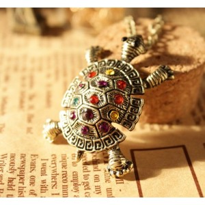 Vintage Style Animal Jewelry Colorful Rhinestone Tortoise Pendant Necklace N-3390