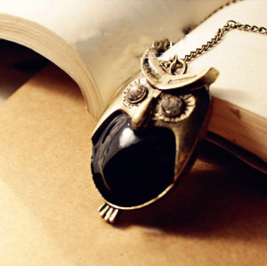 Vintage Style Bronze Black Glazed Clear Crystal Eye Owl Pendant Necklace N-2558