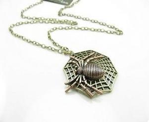 Vintage style cobweb Spider pendant necklace N-3394