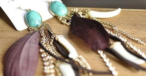 E-0608 western style rhinestone leather ivory black feather Gem dangle earring