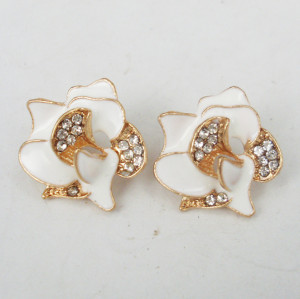 gold plated alloy rhinestone white glazed flower ear stud E-0232