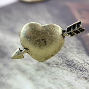 Vintage Style bronze Cupid The Arrow Of Love heart ring R-0720