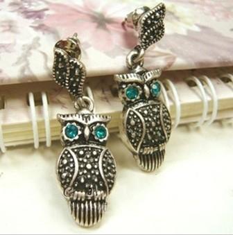 Pair Green Eye Bronze Alloy Owl Ear Stud E-0669