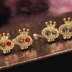 Charming gold plated rhinestone crown skull ear stud E-1090