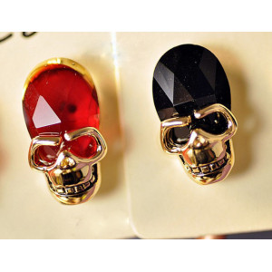 gold plated crystal skull ear stud E-1087
