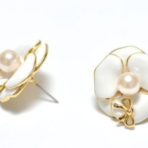 gold plated alloy bowknot white glazed pearl flower ear stud E-0241