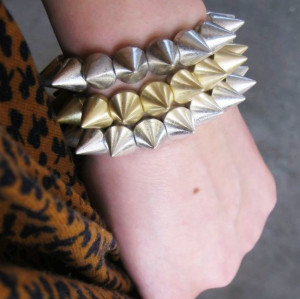 B-0022 punk style gold silver bronze gun black tone rivet Stretch bracelet