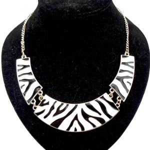 N-2092 gold plated geometry crescent Enamel zebra-stripe Necklace