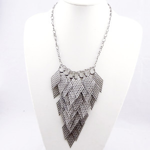 fashion Style  Geometric diamond-shaped hollow out  necklace N-0067