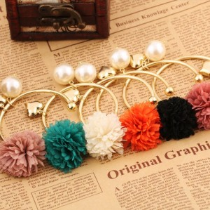 gold plated heart pearl flower bangle B-0165