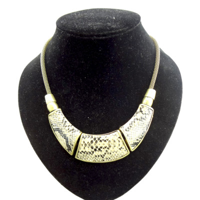 European style punk metal  Crescent snake chain Snake Skin necklace N-4552