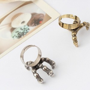 Vintage Bronze/Silver Plated Metal Dragon Claw Ring R-1002