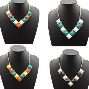 N-4258 New Fashion Gold Tone Chunky Gem Stone Pyramid Stud Choker Bib Necklace