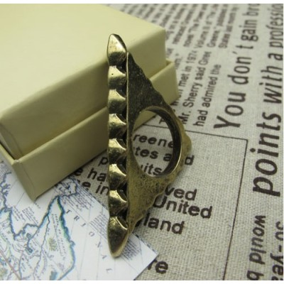 R-0737 New Vintage Style Bronze Metal Geometrical Triangle Ring