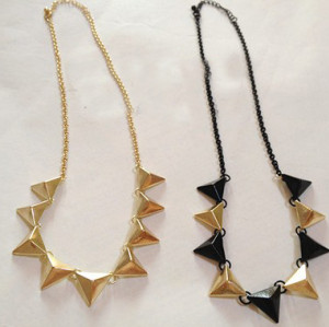 N-4525 New Punk Bronze Black Lovely Small Triangle Fashion Necklace