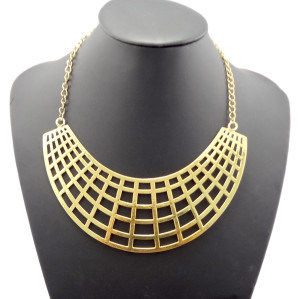 N-1866 European Vintage Style Gold Hollow Out Crescent Bib Collar Necklace