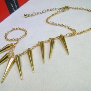 B-0023 Wholesale 2Pcs Rock Cool Rock Punk Spike Rivets Charms Tassels Ring Bracelet