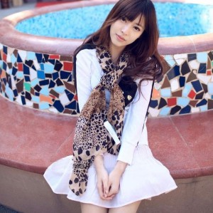 C-0008 2012 Korean new woman scarf Europe leopard scarf velvet Chiffon Scarf