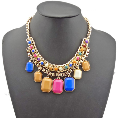 N-0511 Fashion Golden Metal Geometry Resin Gem Pendant Choker Bib Necklace
