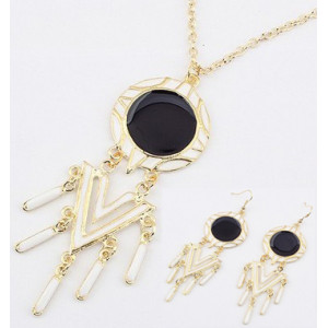 New Faux Leather Round Geometrical Pendant Gold Tone Long Chain Necklace earring set S-0017