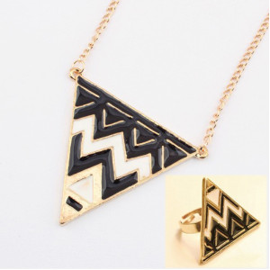New Enamel Gold Plated Pyramid Taper Geometrical Triangle necklace Ring set